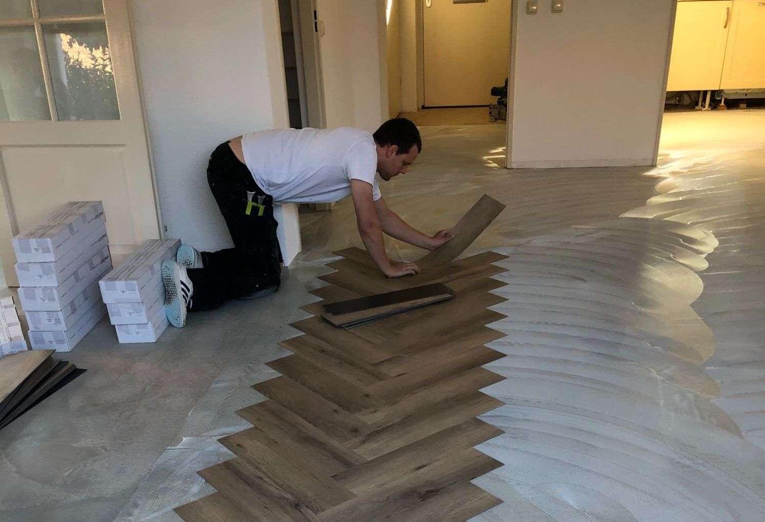 PVC en Laminaat - legservice van PVC en laminaatvloeren zoom
